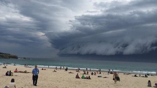 Awan Tsunami di Sydney